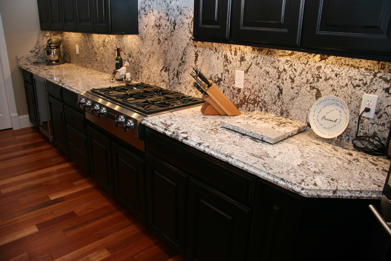 bianco_antico_granite_installed